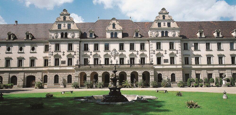 Schloss Turn Und Taxis